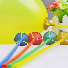 №012  Держатель для шаров (латексных или фольгированных): зажим и палочка 40 см. Белые и разноцветные.